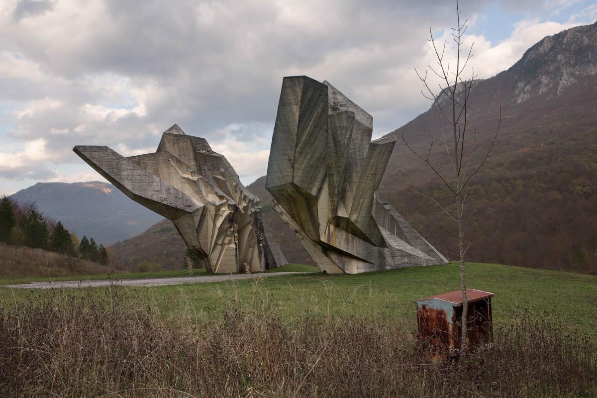 "Sutjeska Memorial - Monument commemorating the Battle of Sutjeska, which took place during World War II. Many Bosnians still feel nostalgic towards Tito's reign. Tjentište, November 2013 - Copyright © © S. Borcard - N. Metraux - Tjentište - Republika Srpska - Bosnie-Herzégovine - <A href=""https://maps.google.com/?ll=43.345762,18.68631&z=16"" target=""_blank"">(Map Sutjeska Memorial)</A>"