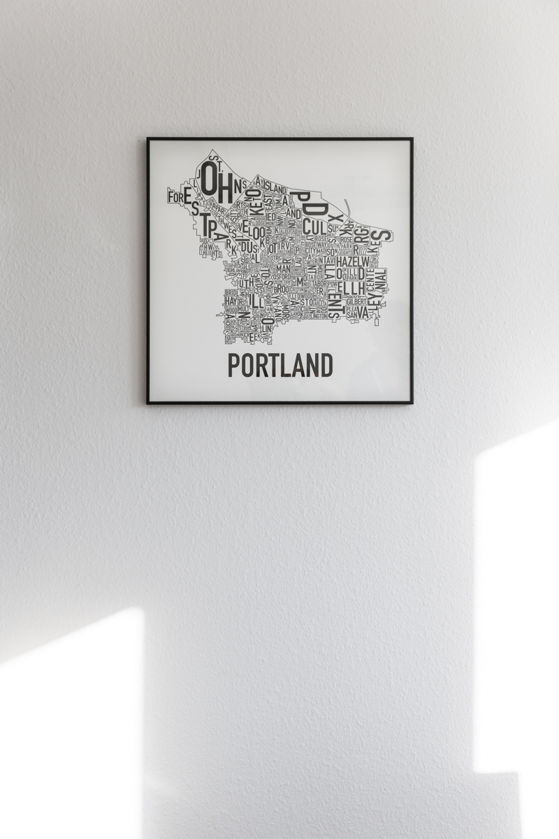 Abstract artwork and map of the city of Portland, Oregon, USA where Heike Mayer studied for her Ph.D. from 1997 to 2003. Portland`s economy specializes in high-tech and Heike examined the evolution of Portland as a secondary high tech region. Bern, January 2018