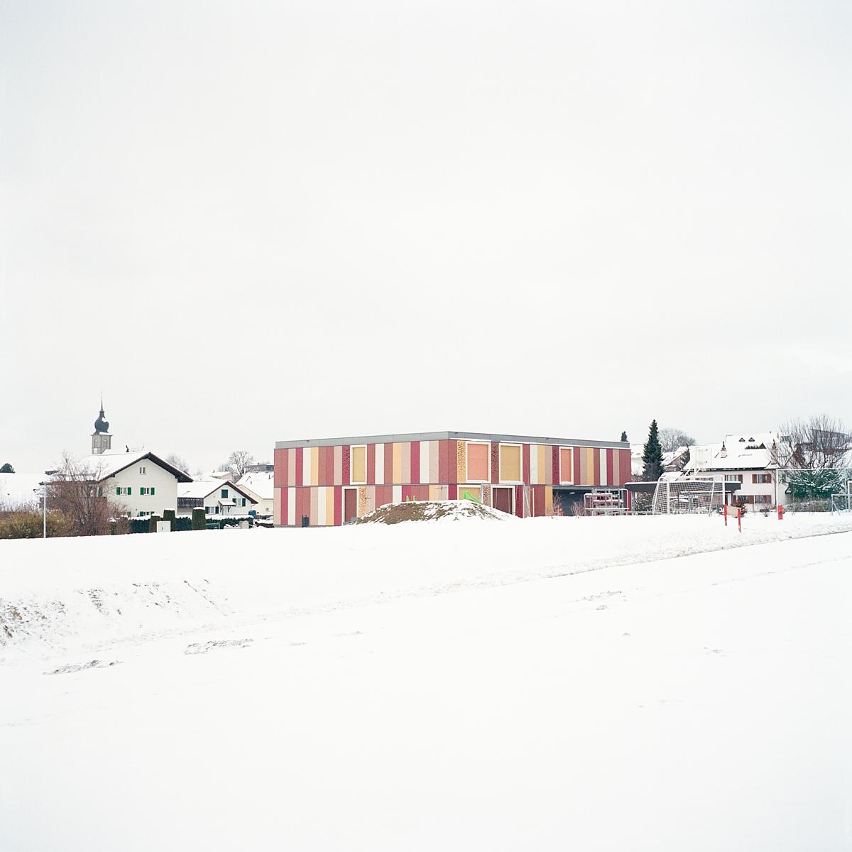 Vue de l'école primaire de Lentigny. C'est ici qu'Ilona subissait le harcèlement au quotidien. Lentigny, décembre 2017.